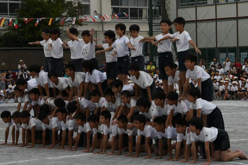 小学校運動会 人間ピラミッド